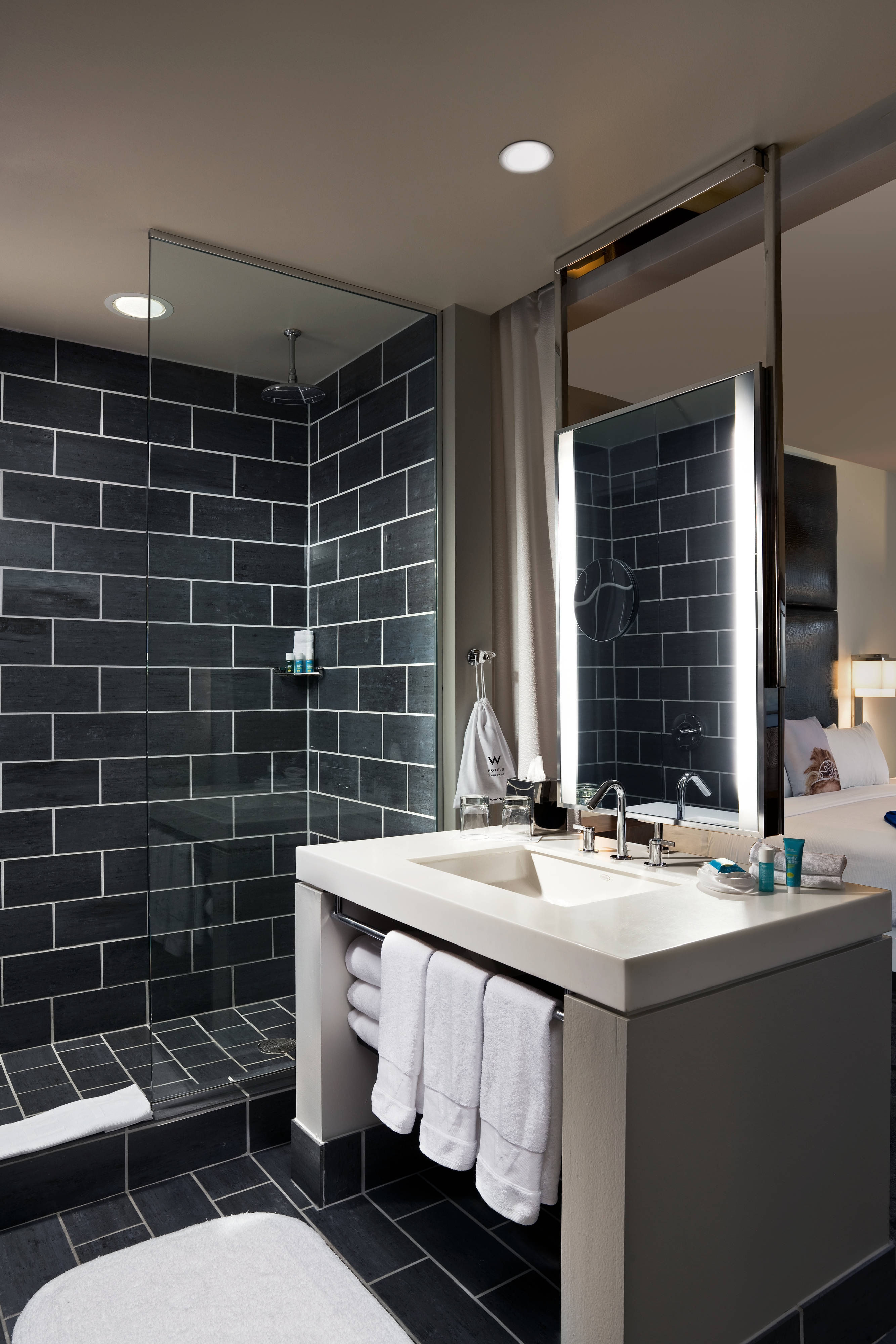 Hotel Guest Room Design: Downtown Dallas Hotel Rooms And Suites