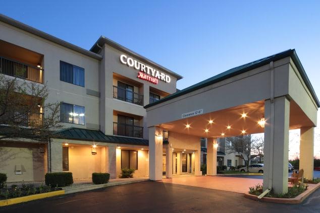Dayton North Airport Courtyard hotel