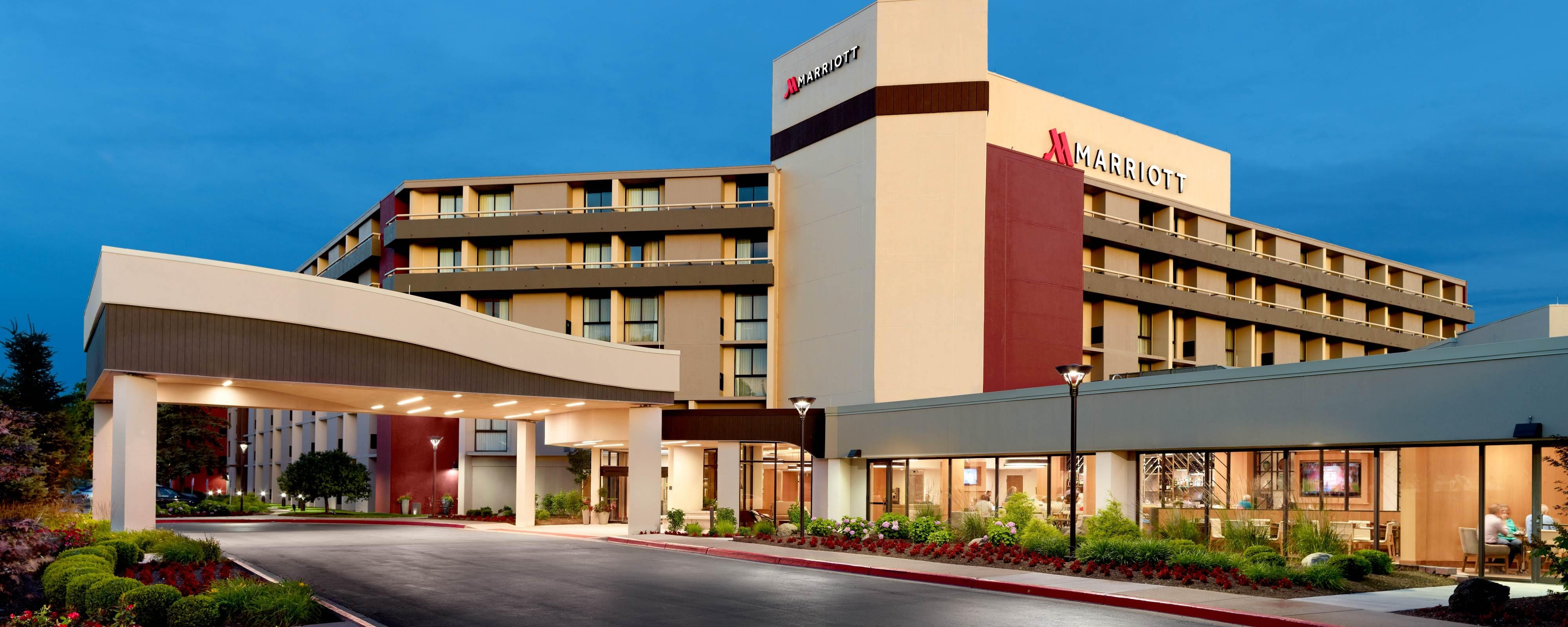 Dayton Hotel Marriott In Ohio Located Near Ud And Wright Patt Afb