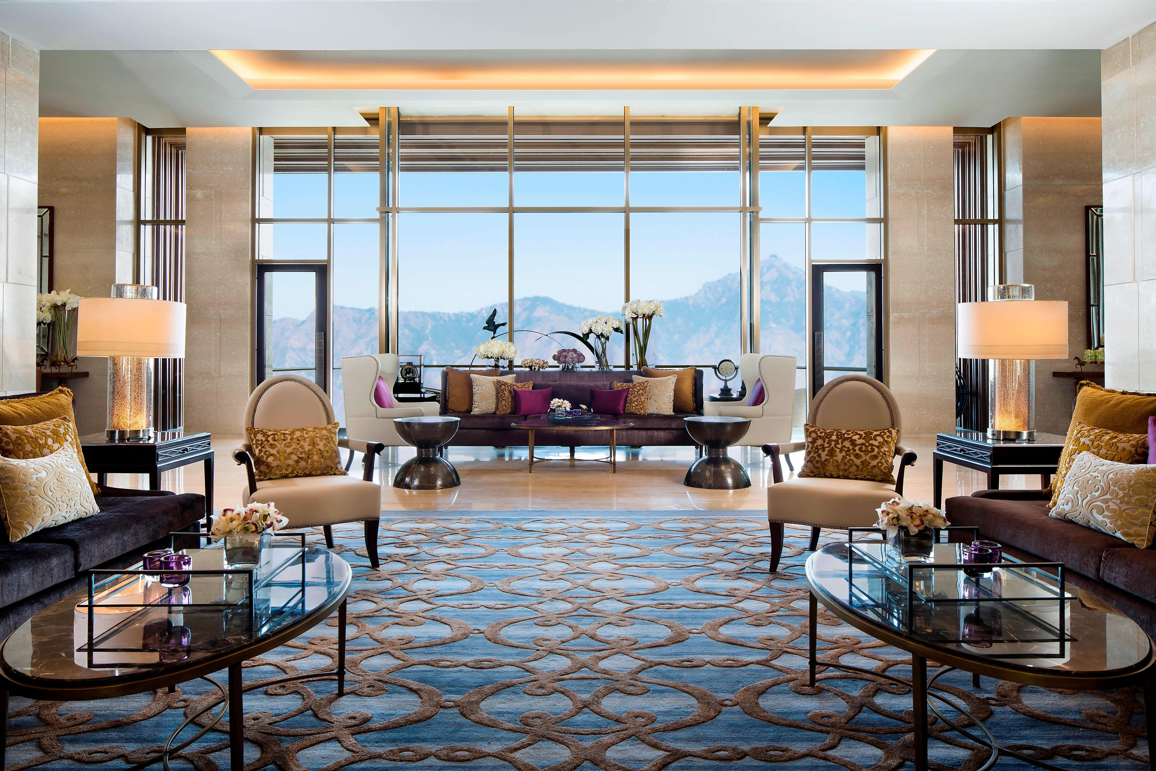 Luxury Hotel Lobby in Mussoorie