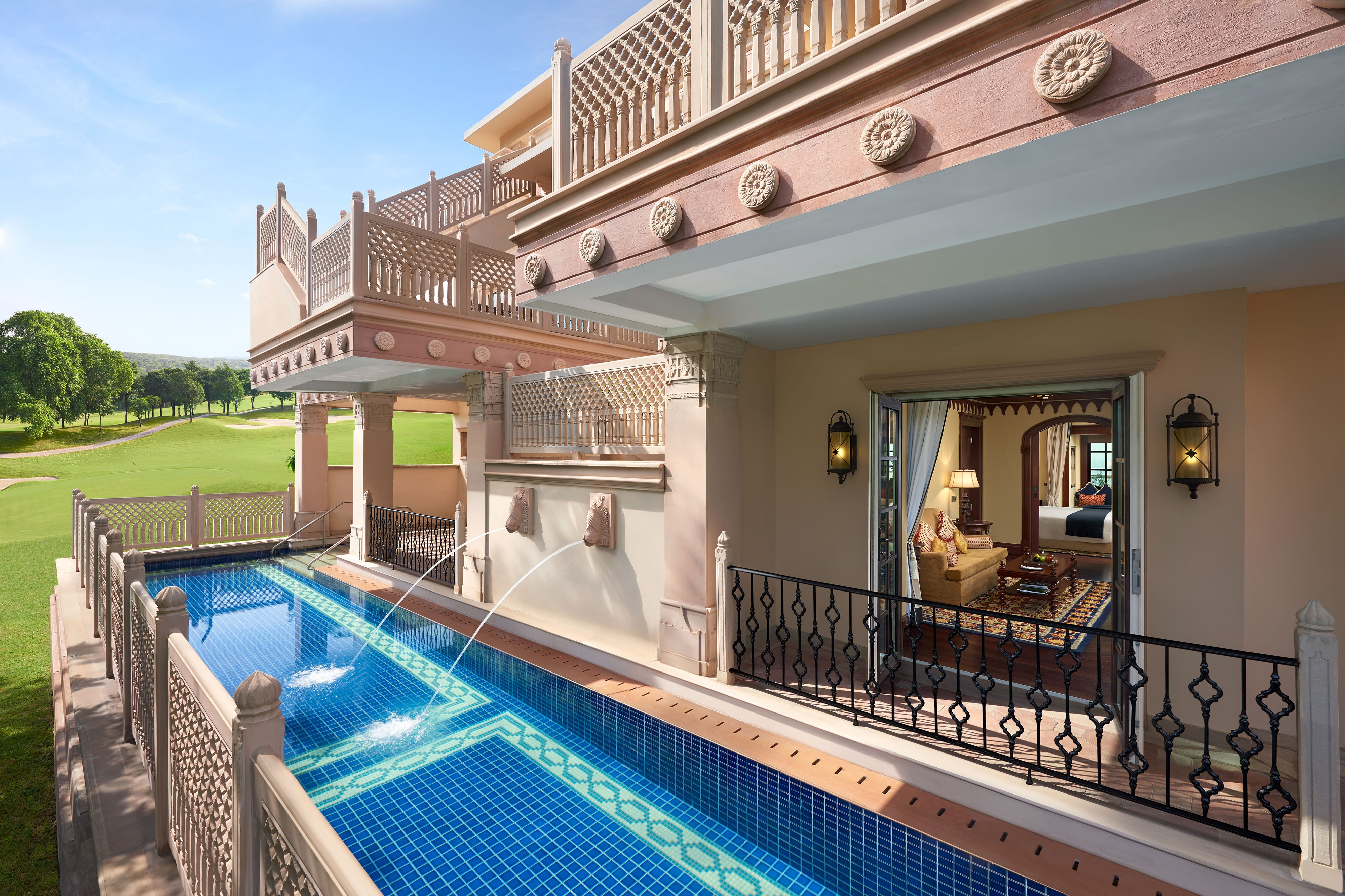 Deluxe Suite with Semi-Private Pool