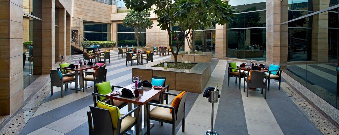4-star Hotel in Gurugram India | Courtyard Gurugram Downtown