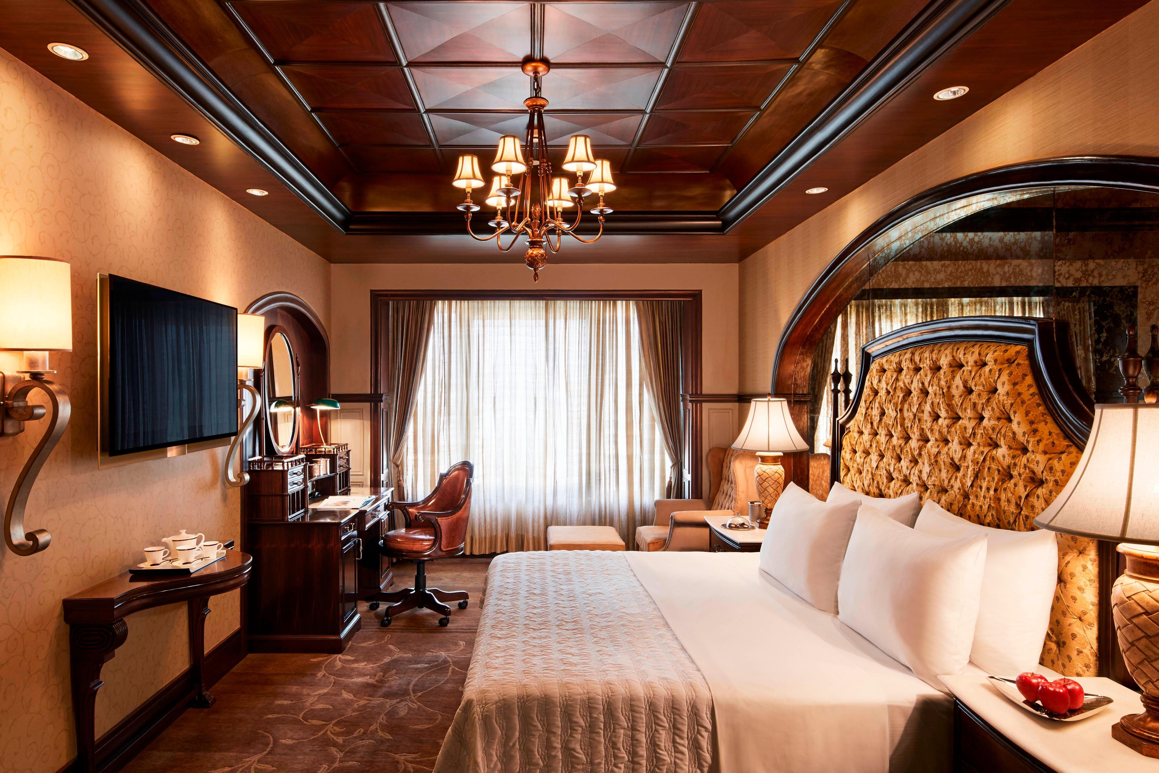 Luxury Suite - Bedroom