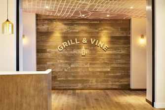 Restaurant Grill and Vine