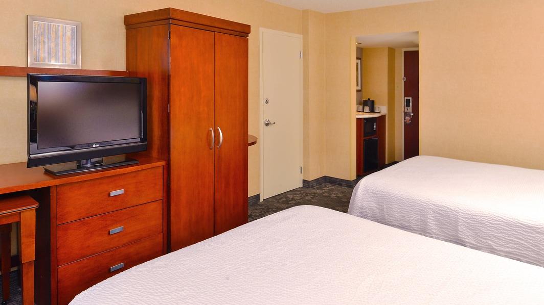 Courtyard Cherry Creek Hotel Room