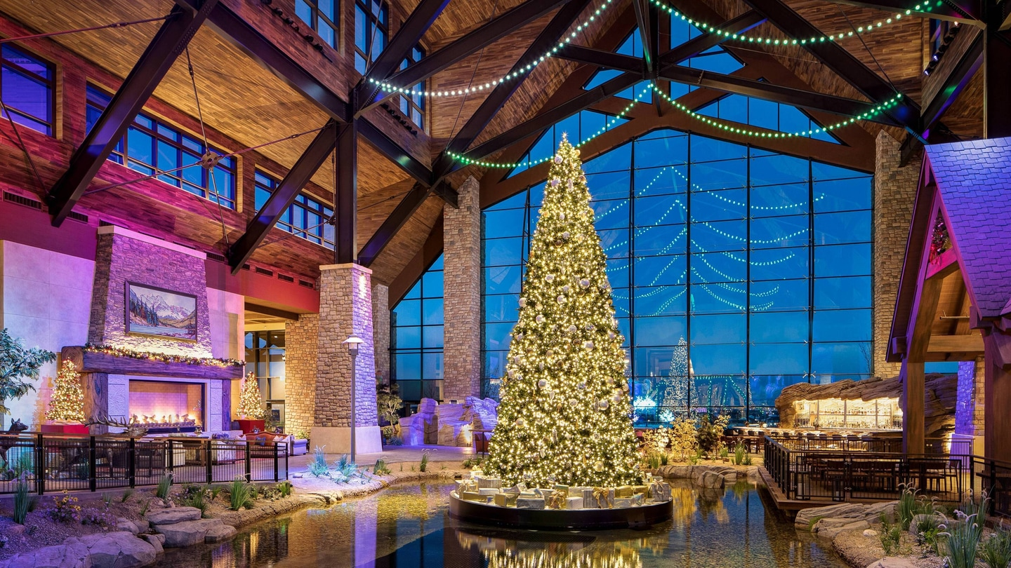 Christmas Convention Atlanta Sept 2020 Aurora Hotel in Colorado | Gaylord Rockies Resort & Convention Center
