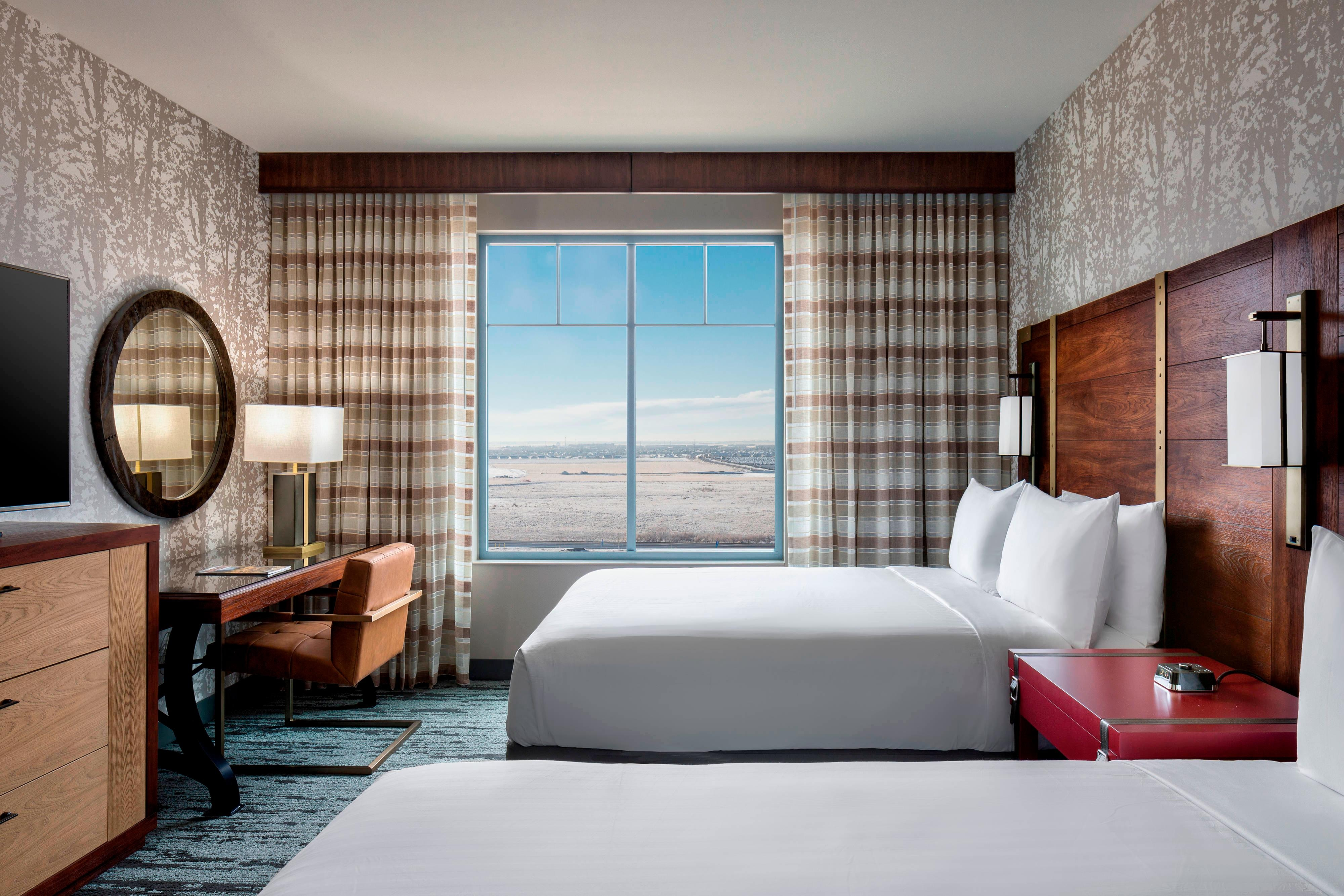 Aurora Co Hotel Suites And Rooms Gaylord Rockies Resort