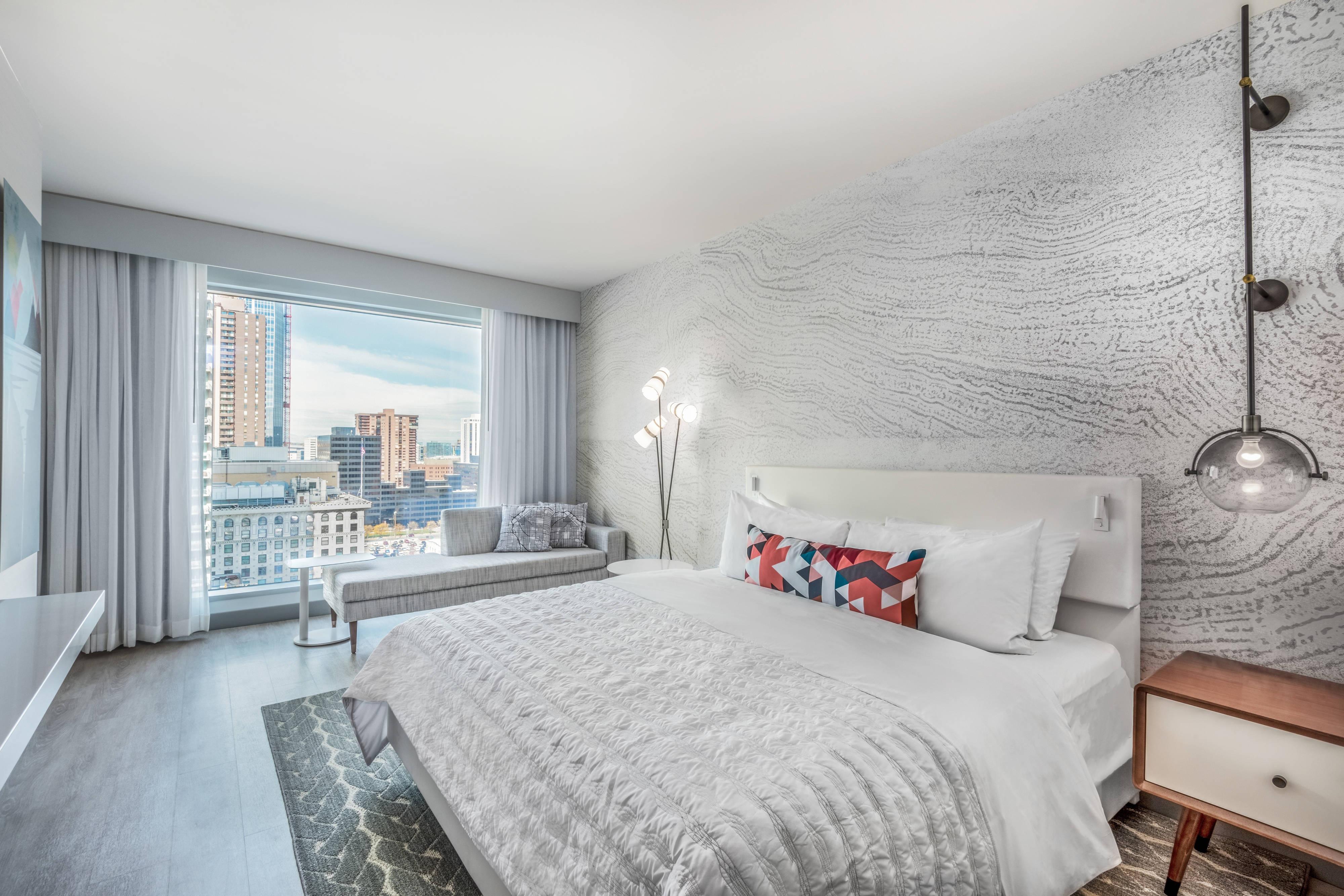 King Guestroom, Skyline view
