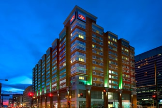 Hotels near Denver Aquarium