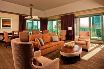 Luxury Suite - Parlor