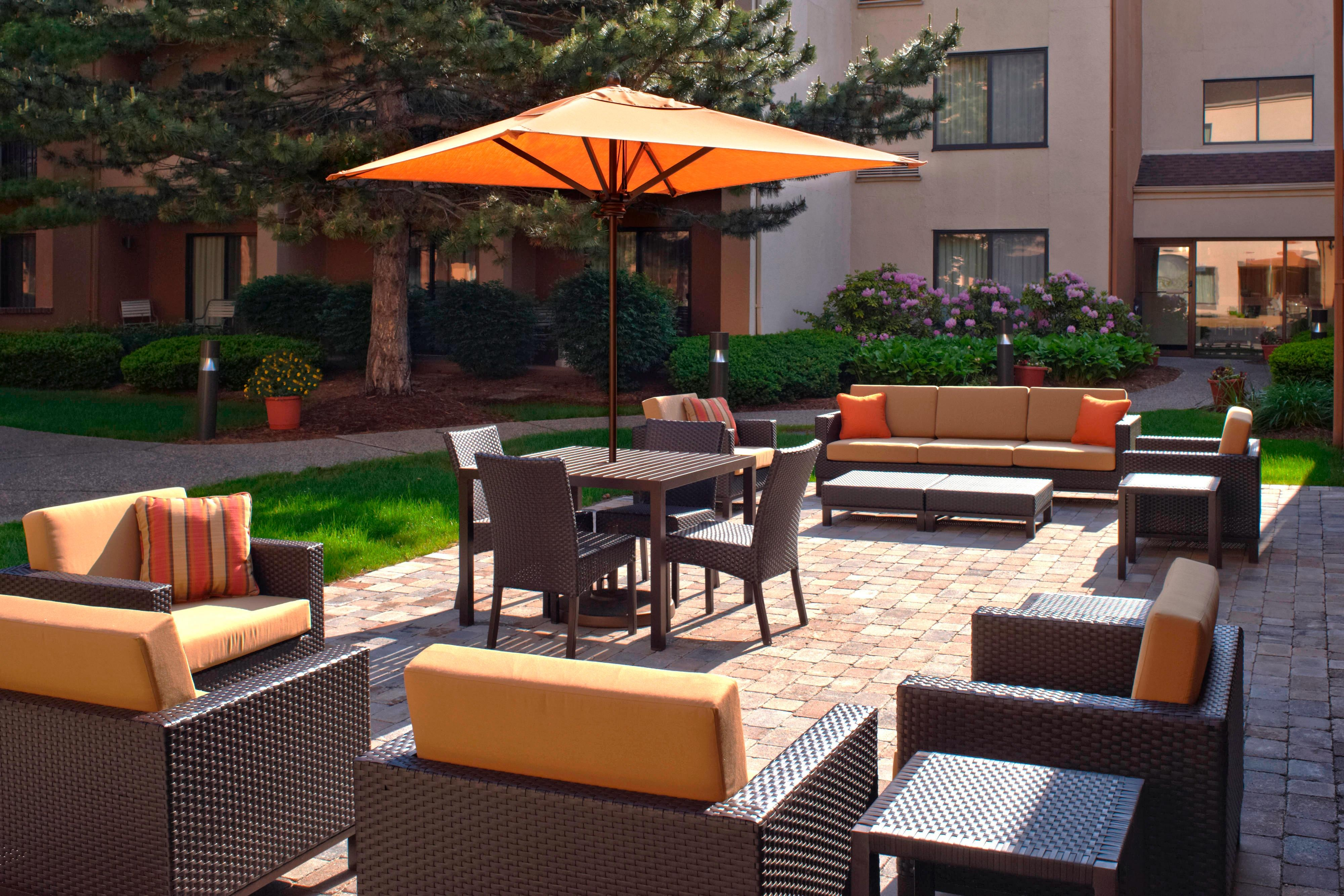 Courtyard Detroit Livonia Terrace