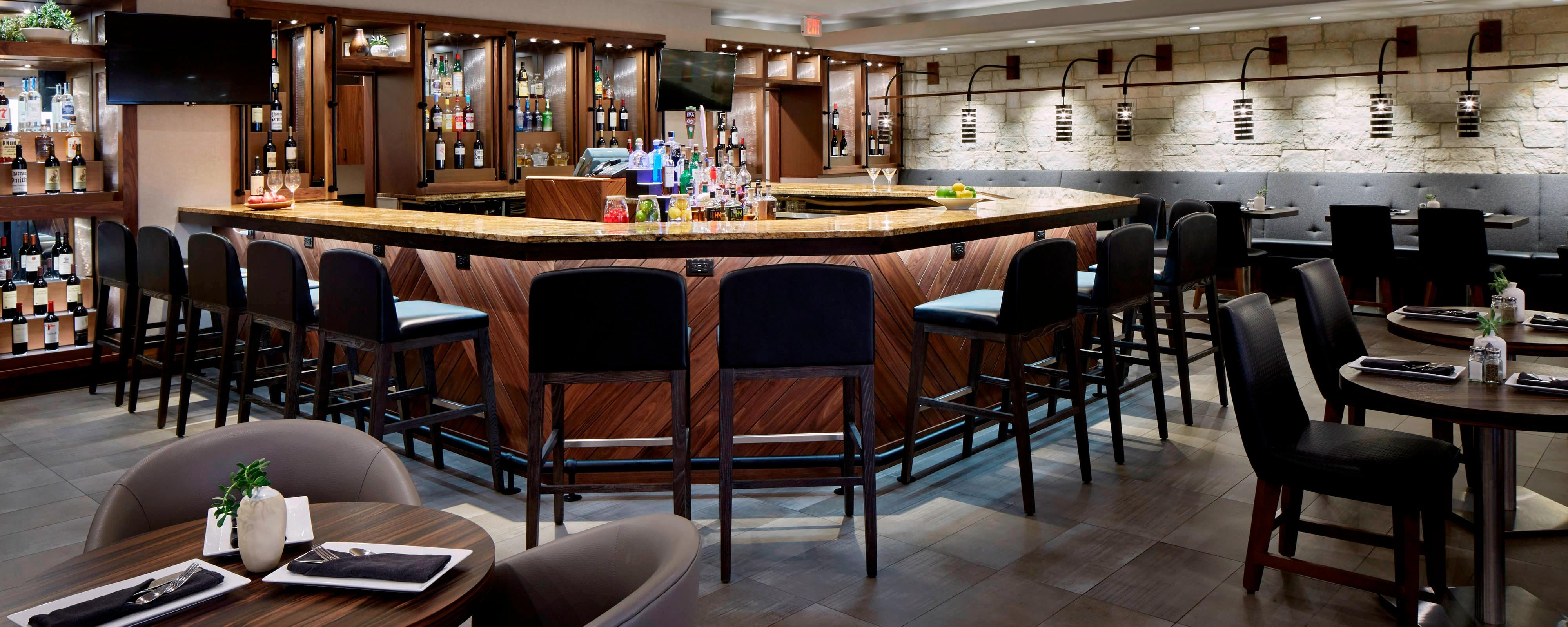 Dfw Airport Dining Dfw Airport Marriott South Doc S Bar