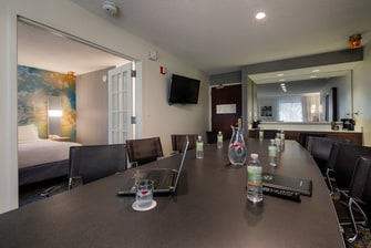 Executive King Suite - Boardroom