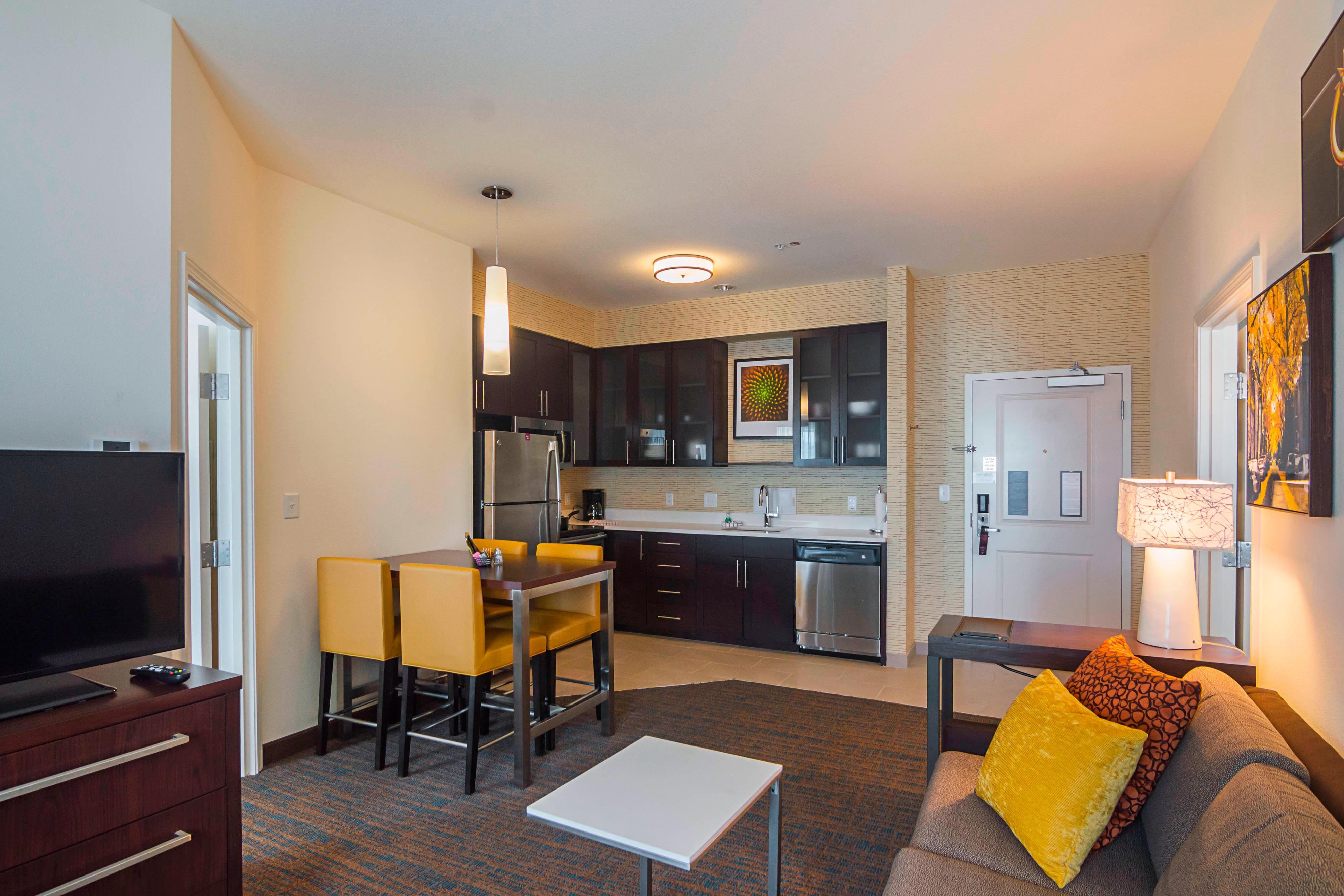 west elmwood all bedroom hor hotel suite residence rooms inn clsc suites is new orleans hotels msyew in an