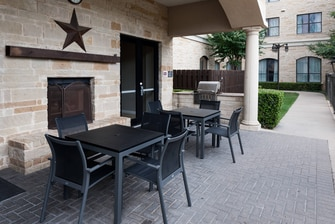 Residence Inn Fort Worth Cultural Patio