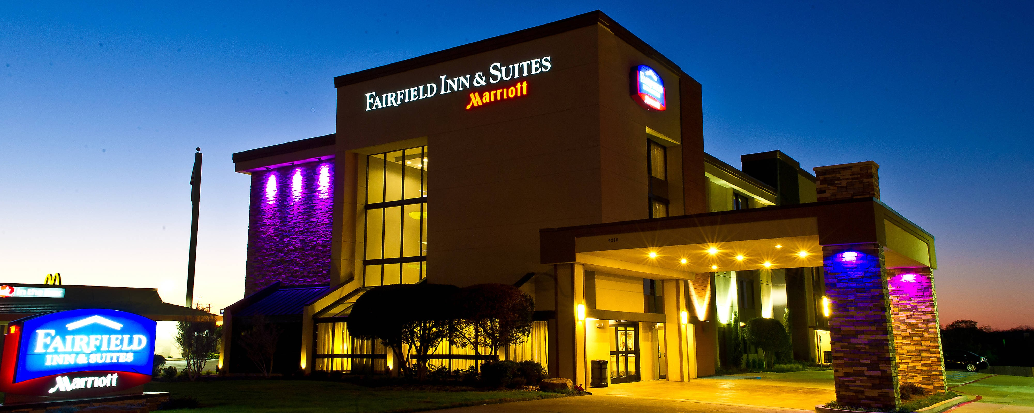 Fairfield Inn & Suites DFW South, Irving: Airport transportation