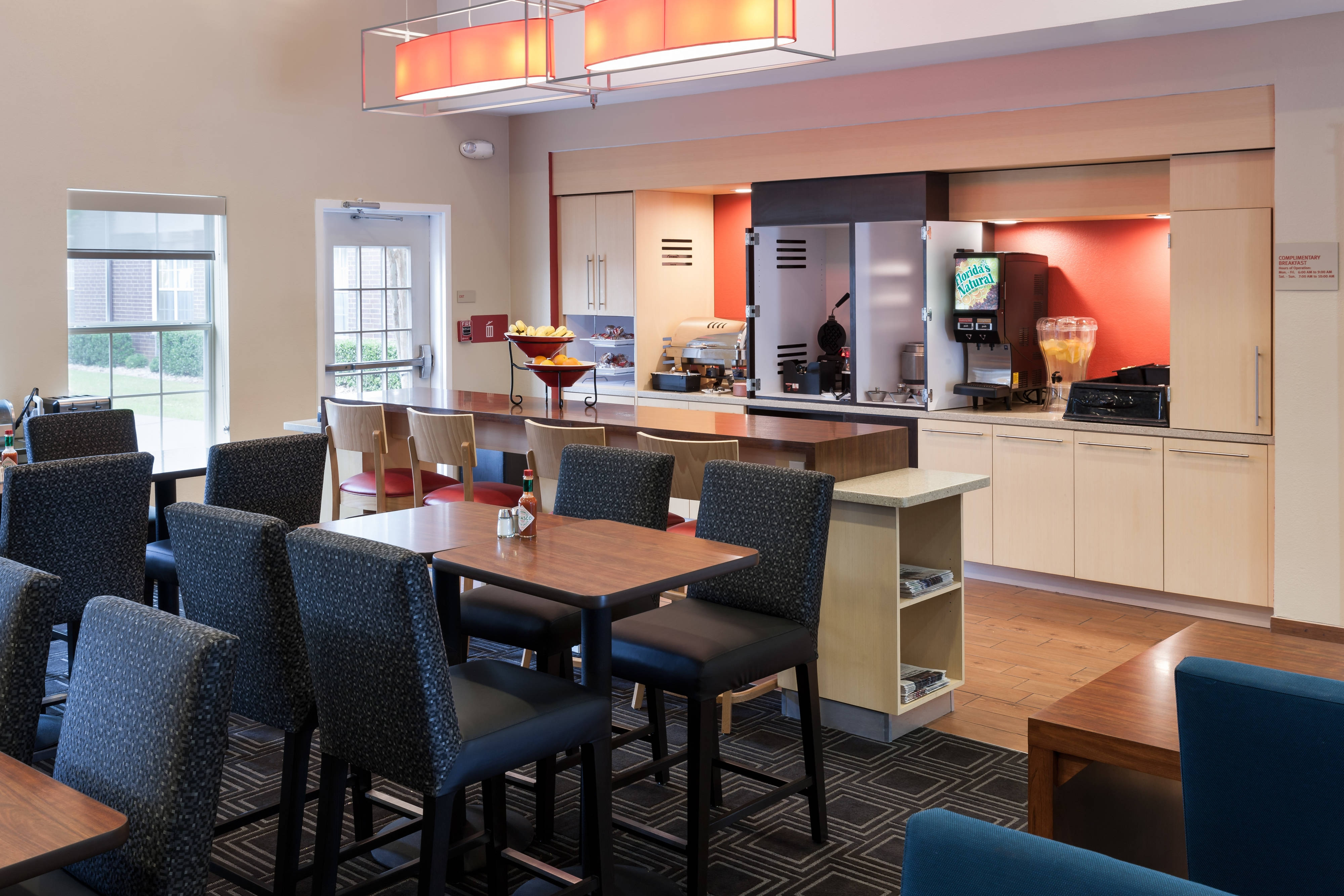 TownePlace Suites Arlington Dining