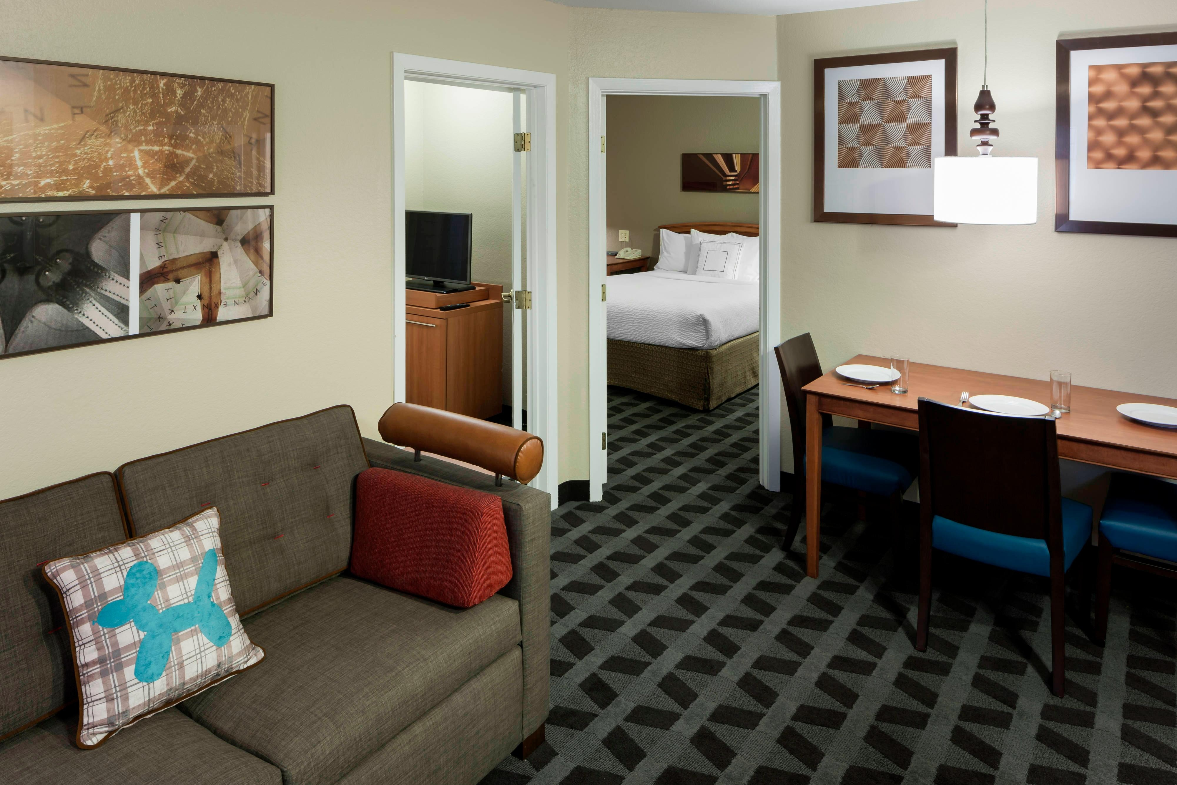 life the new fixed rooms queen beds staybridge in with one orleans suites bedroom downtown suite
