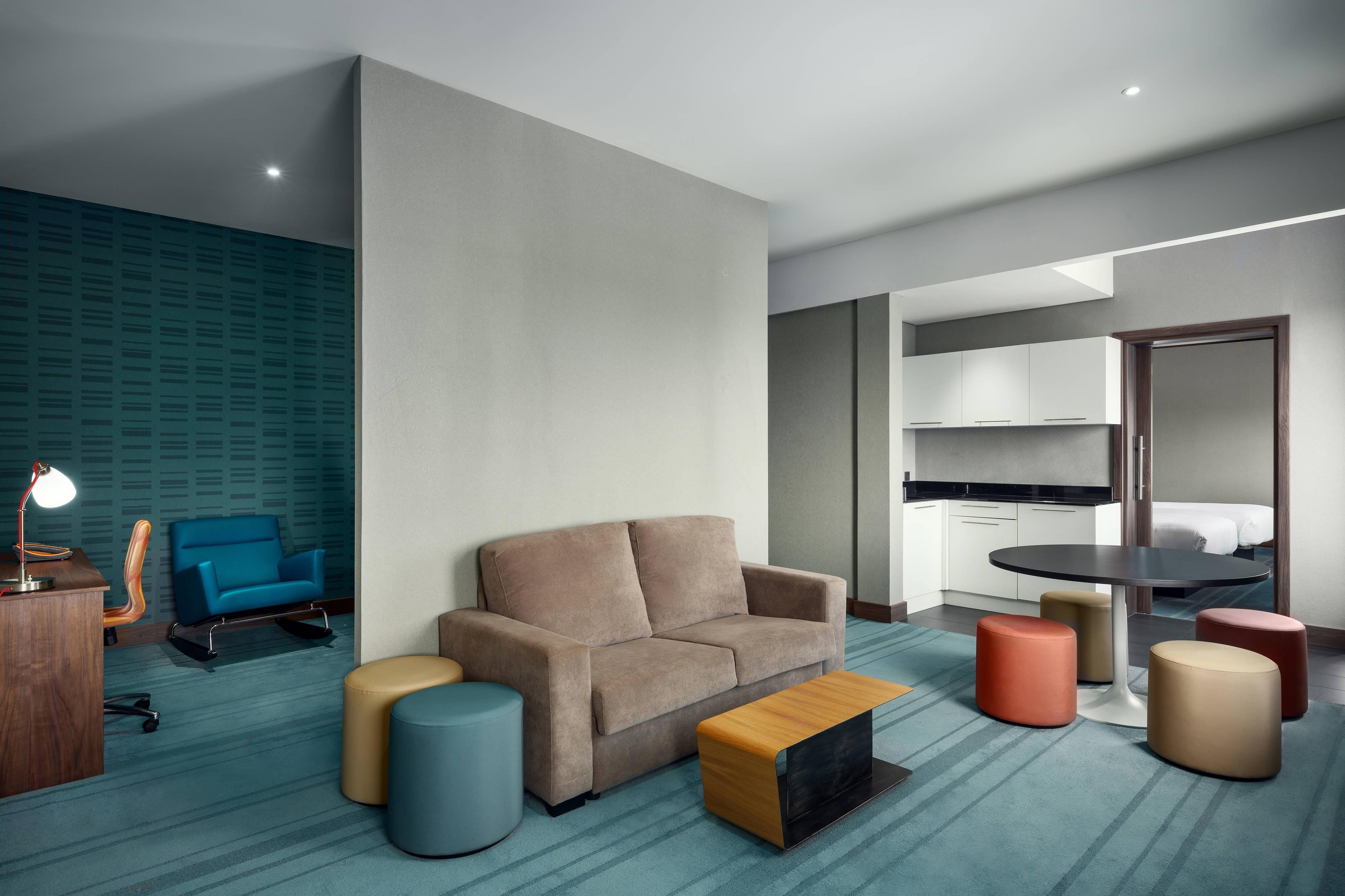 Ultra Savvy Suite – Wohnbereich