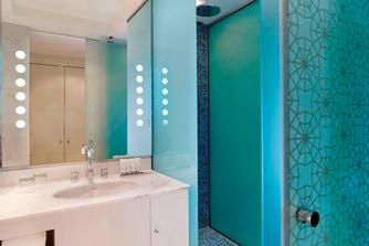 حمام النزلاء