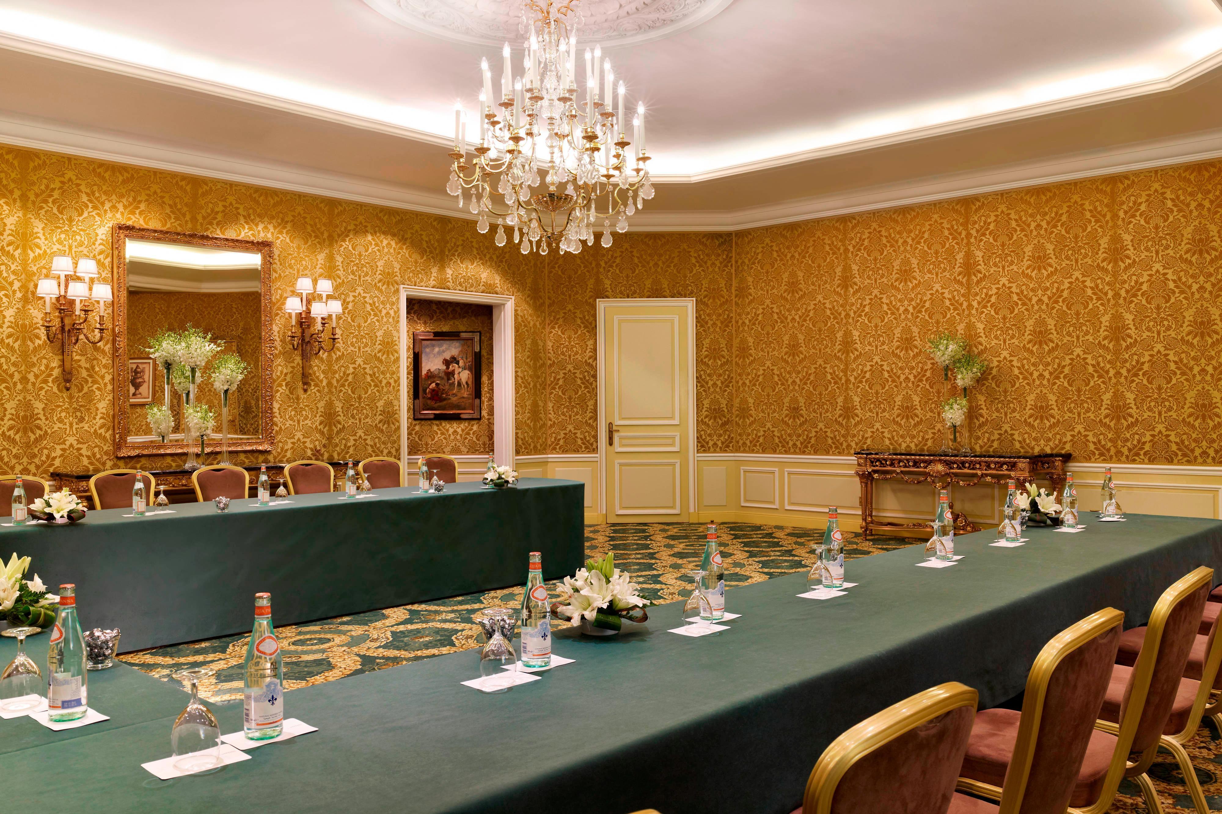 Al Diwan Meeting Room - U-Shape Meeting