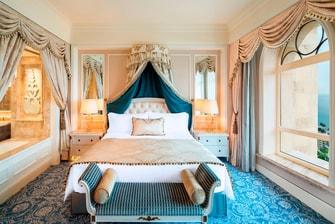 Higher Floor Ocean Suite - Bedroom