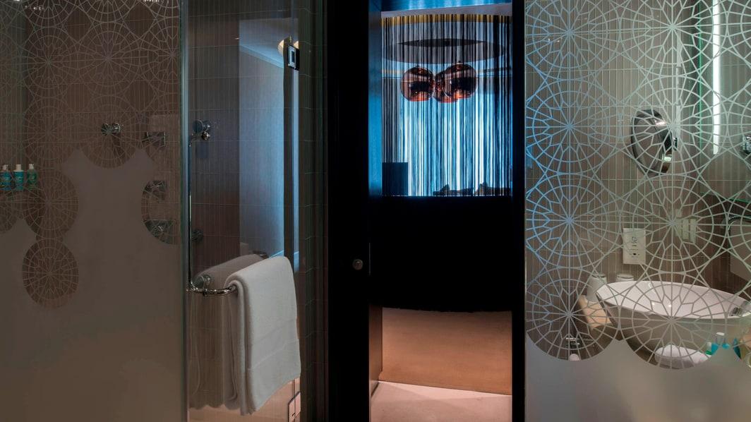 Suite W, baño