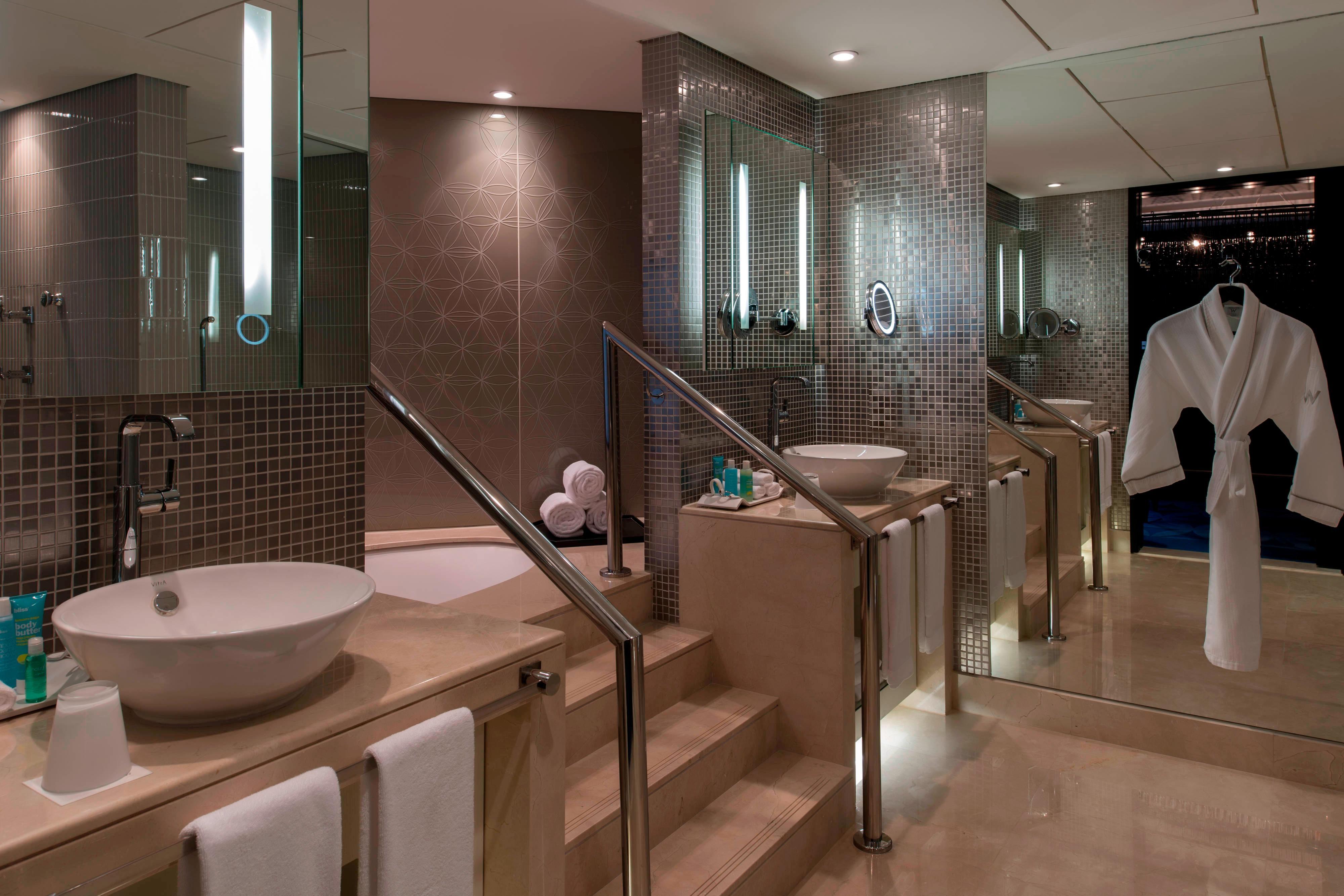 EWOW Suite - Bathroom