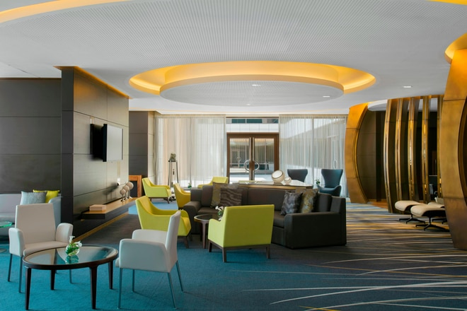 Guests in executive rooms and suites are offered a wide variety of services in The Westin Club, located on the 1st floor. These include complimentary continental buffet breakfast, tea and coffee throughout the day, small bites and beverages in the evenings with stunning views over downtown Doha.