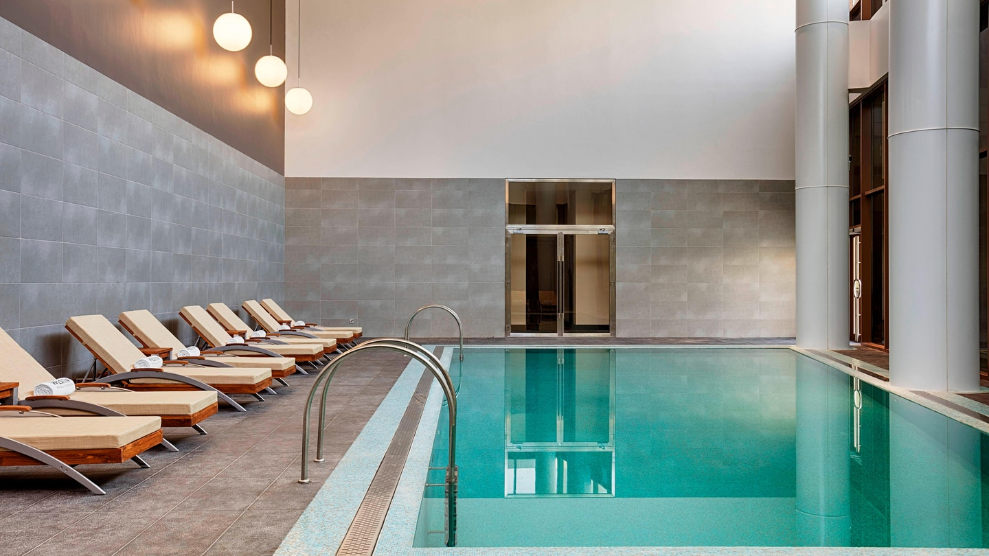 Step into the calming environment of the Heavenly© Spa Indoor Pool and enjoy a refreshing swim under complete cover.