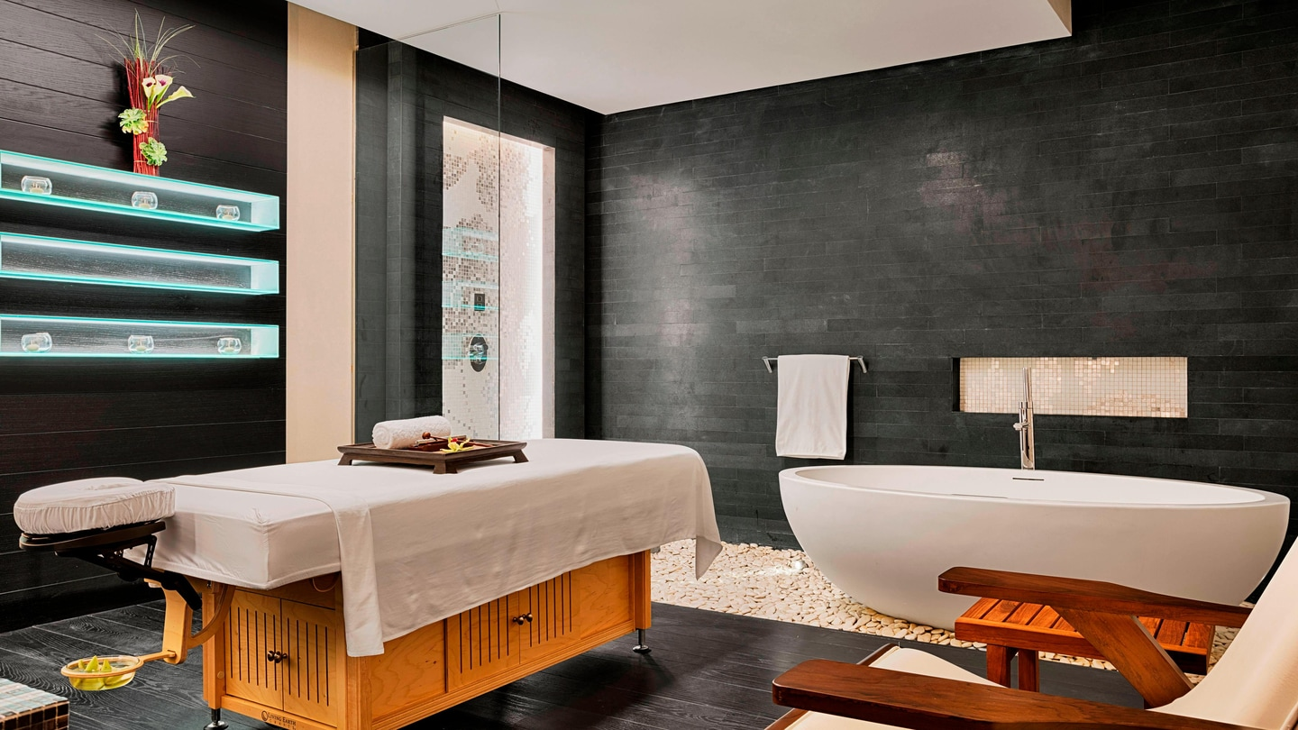 Providing the perfect escape from the arduous of city life, elegant treatment rooms including a full bath tub with bath amenities allows guest to prepare for services in complete privacy.