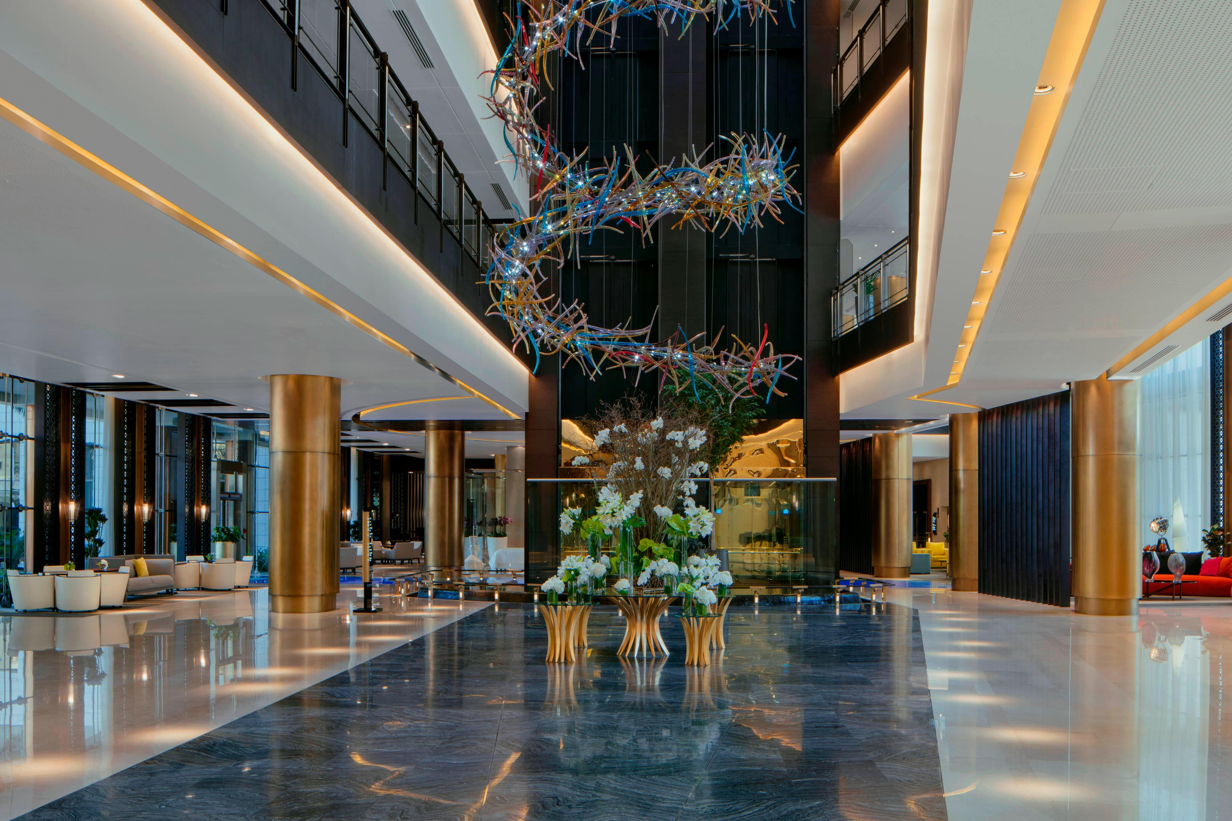 As you step into the lobby of the Westin Doha, enjoy the serenity and calm of the large open space, fresh blooms and signature Westin scent.