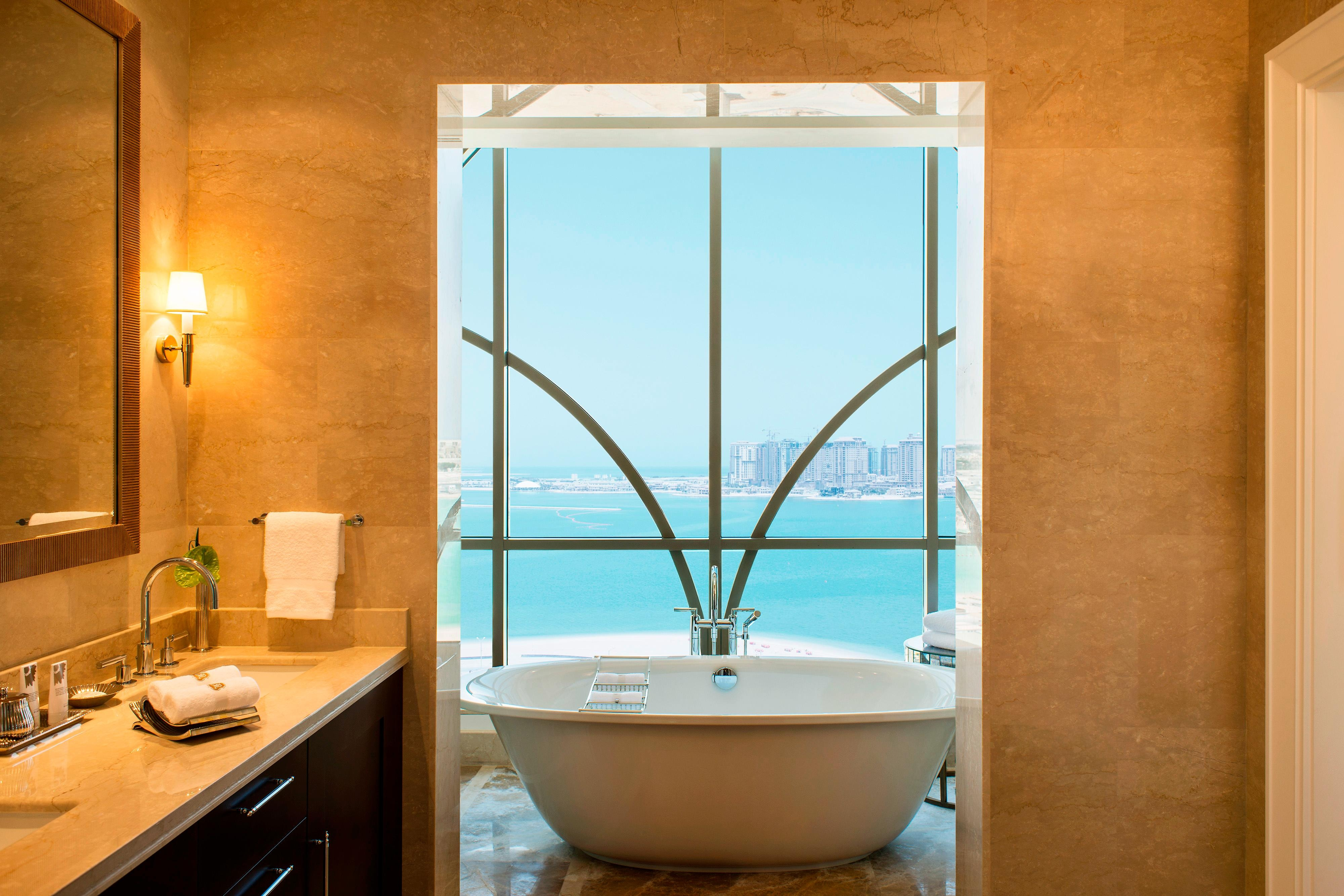 The Presidential Suite - Master Bathroom
