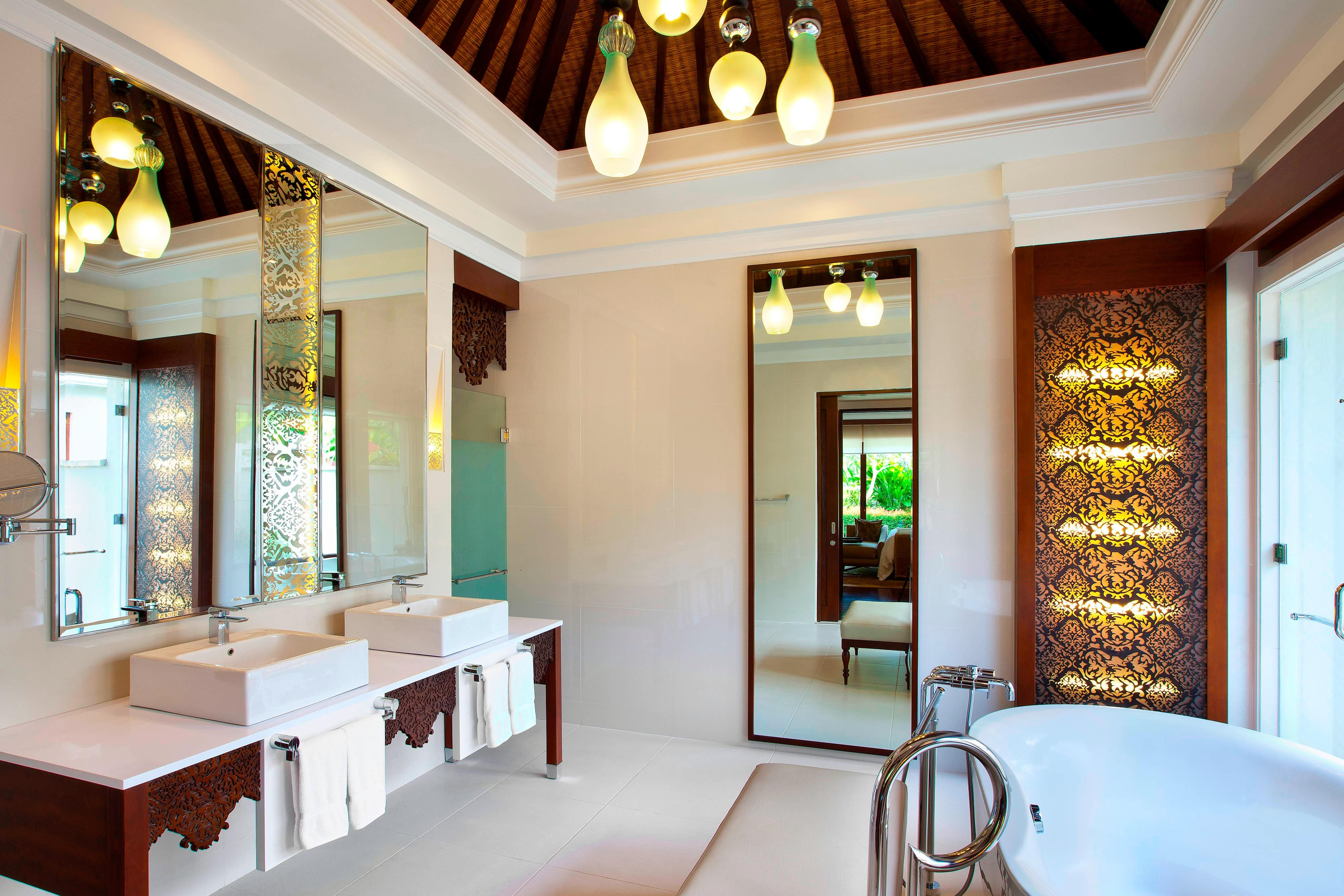 Two-Bedroom Laguna Pool Villa - Bathroom