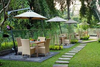 Sungai Restaurant Garden