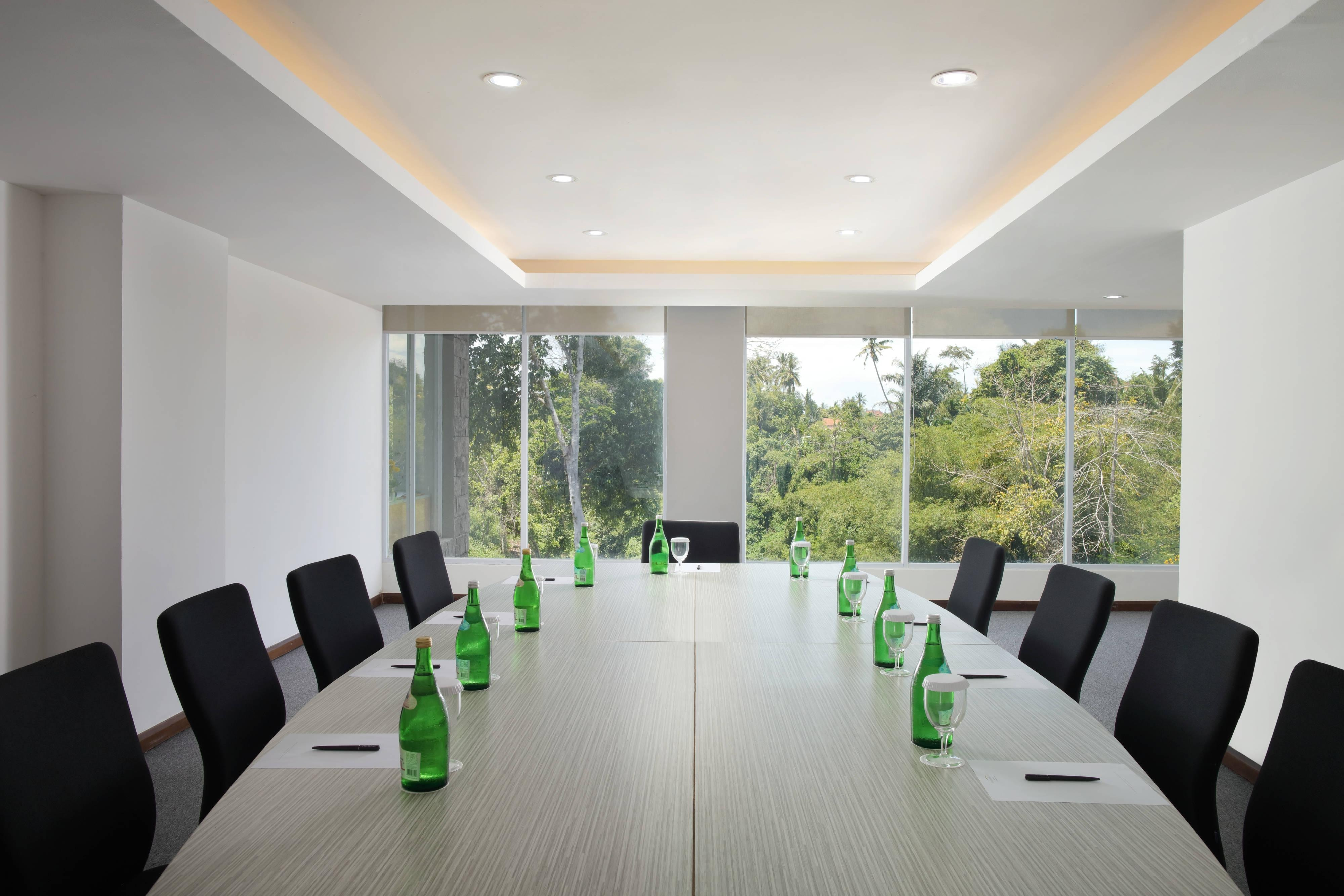 Topeng Boardroom