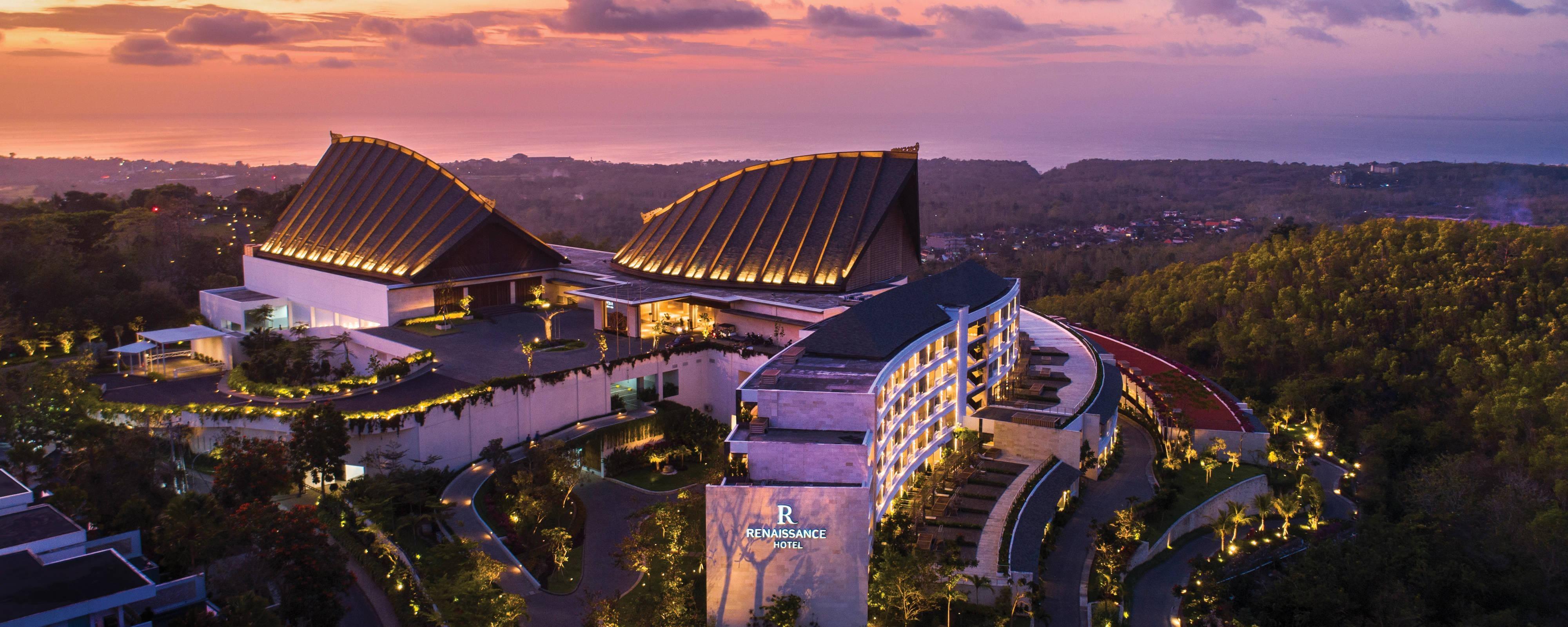 Uluwatu Hotels 5 Star Renaissance Bali Uluwatu Resort Spa