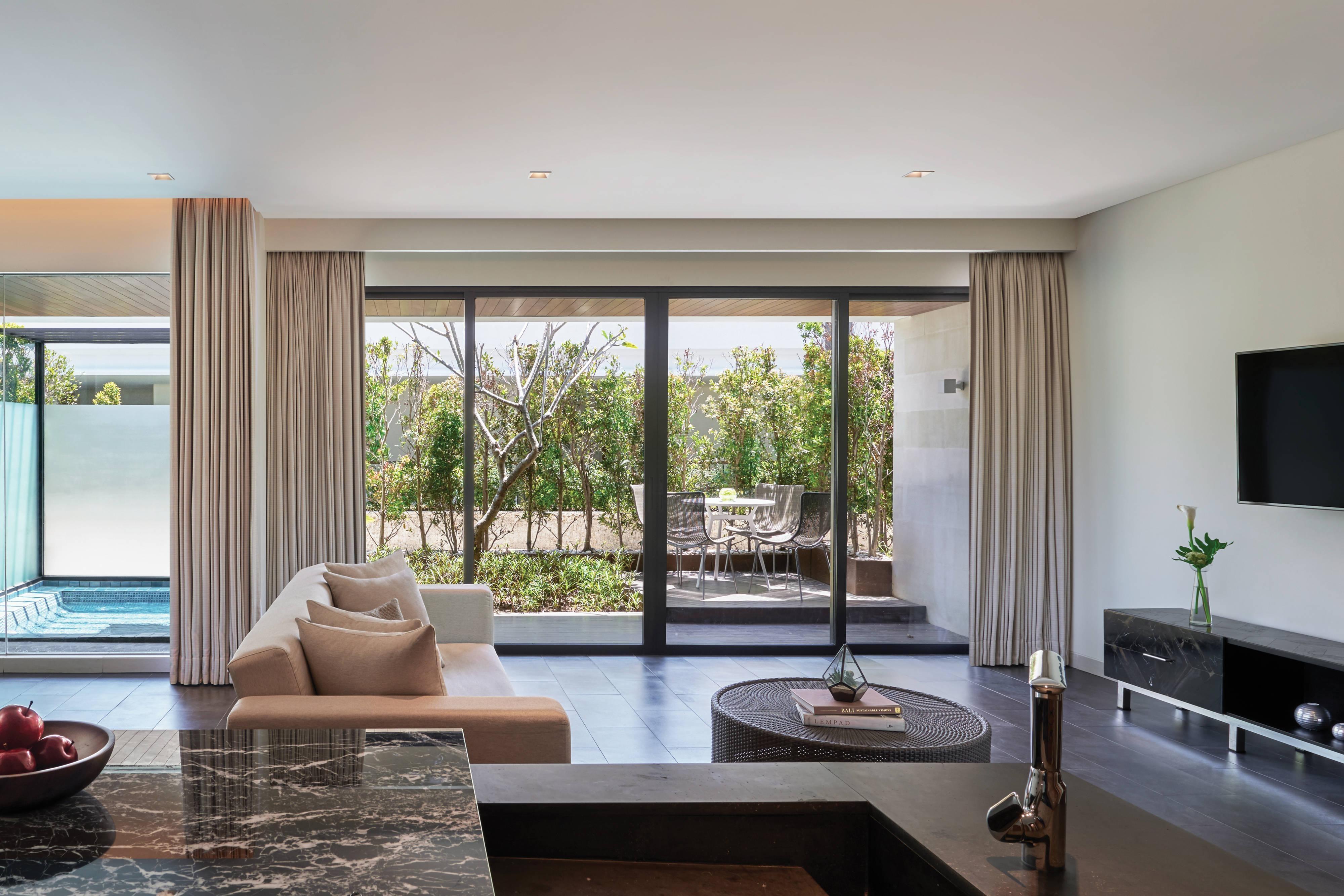 Family Jacuzi Loft Suite - Living Area