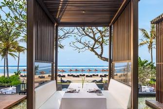 تراس بإطلالة على المحيط في مطعم كايوبوتي