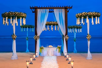 Romantic Wedding Dinner on Strand Villa Beach