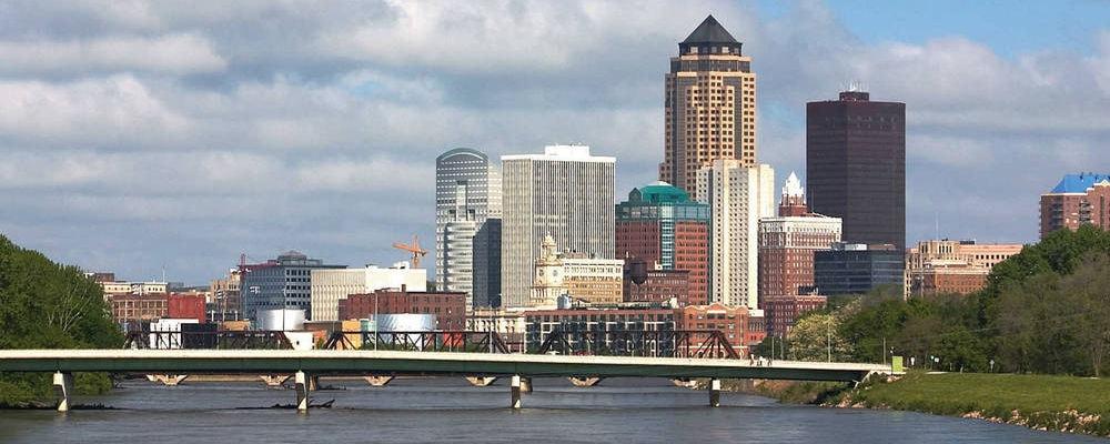 Vistas del perfil de la ciudad de Des Moines
