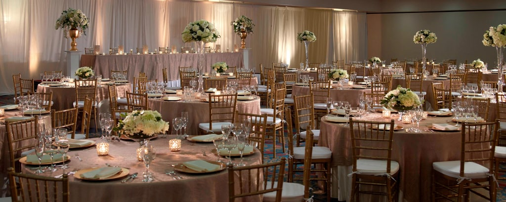 Reception Venue With Wedding Planners Des Moines Marriott Downtown