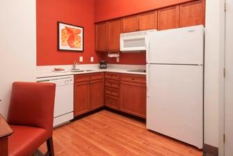 Des Moines Hotel Suite Kitchen