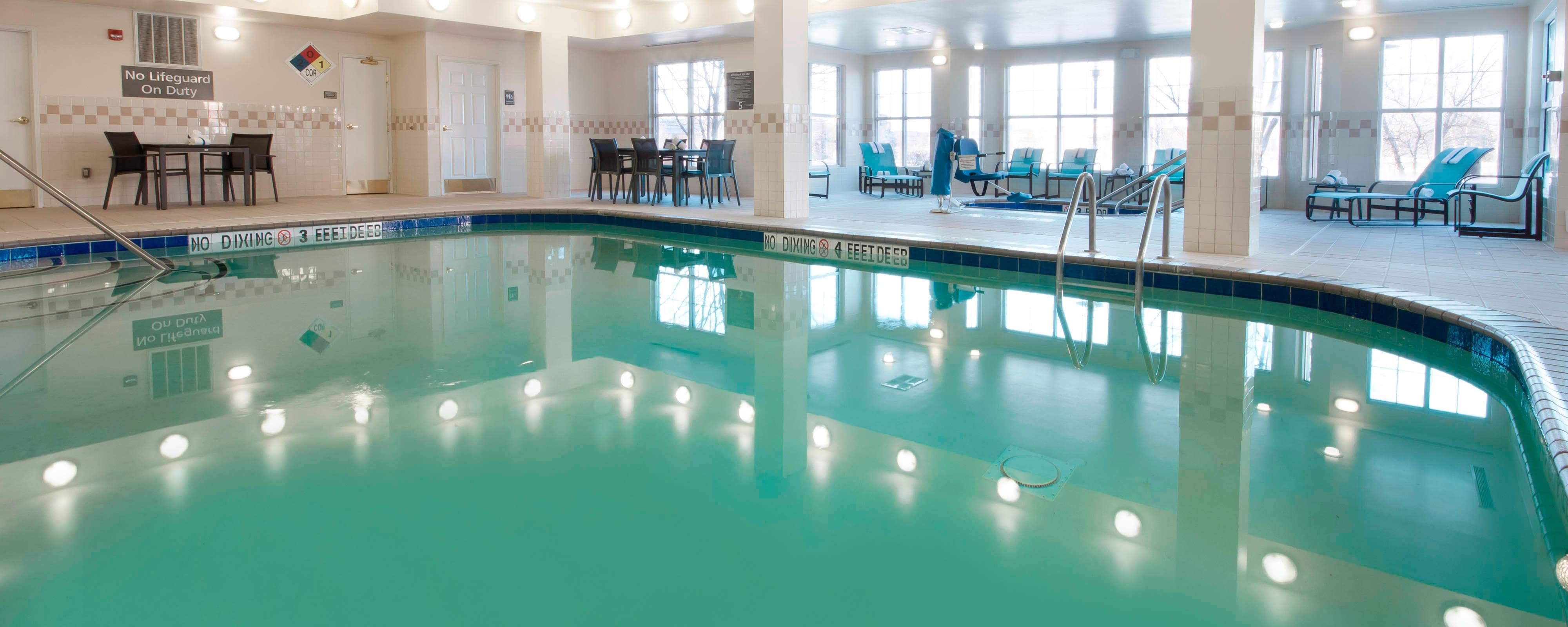 Des Moines Hotel Indoor Pool