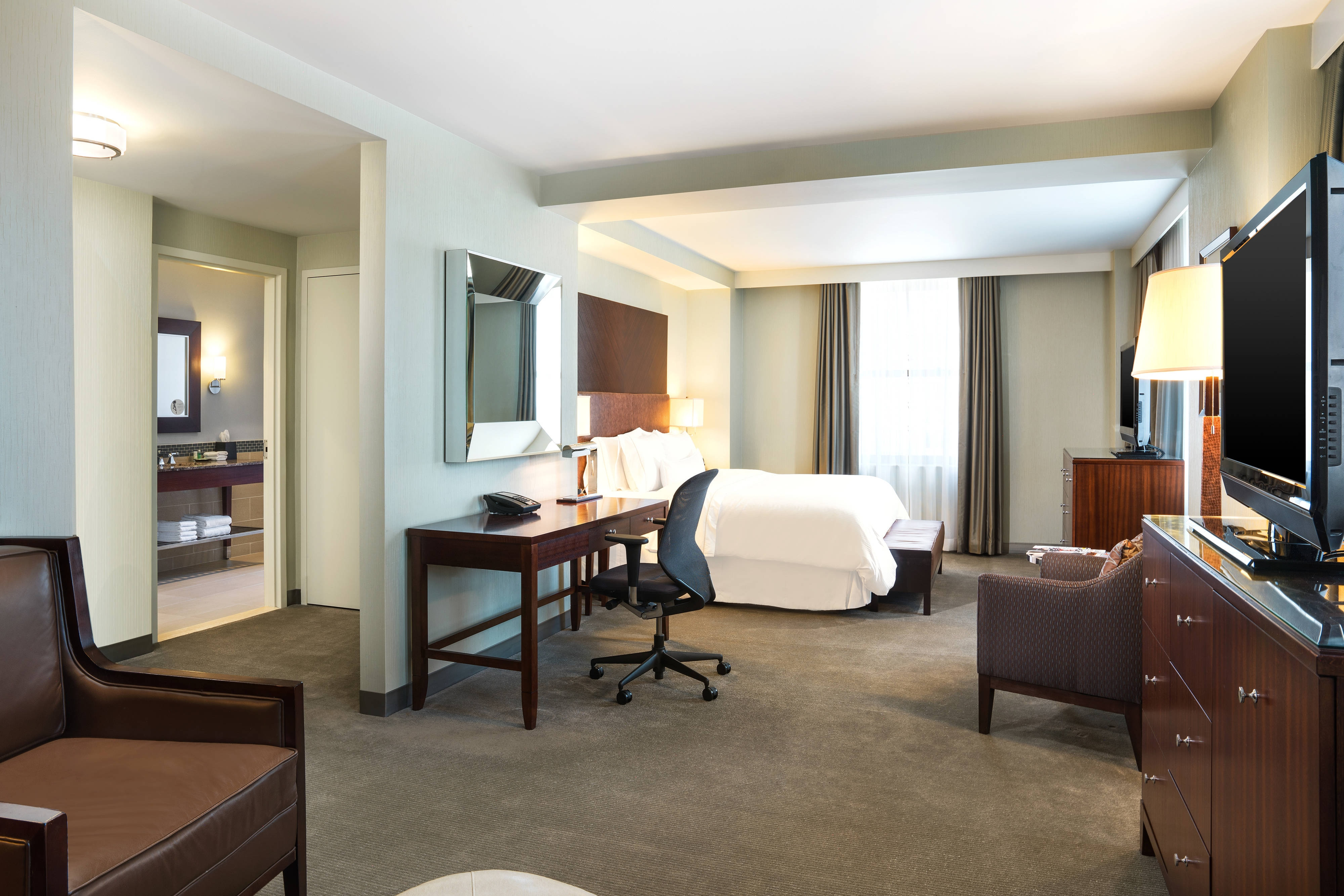 Grand King Guest Room
