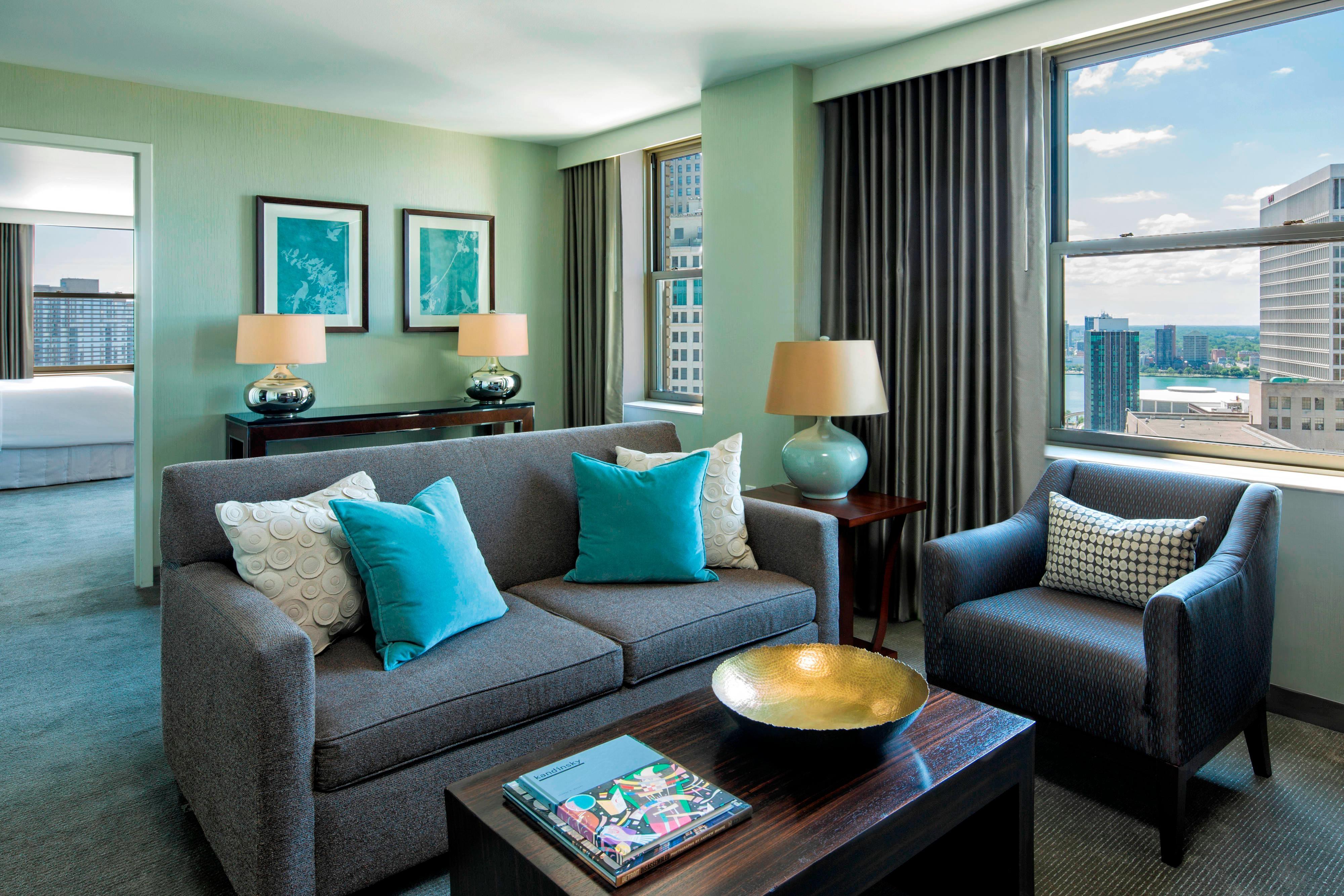 Luxury Suite - Living Area