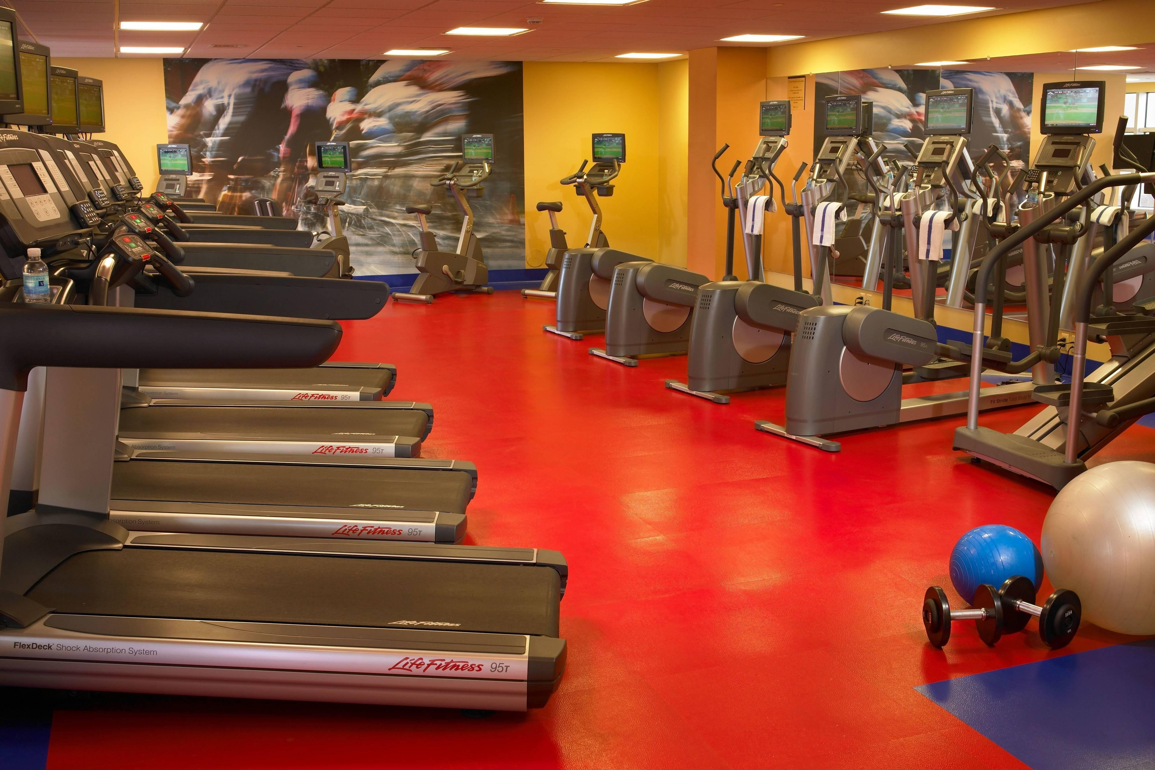Detroit Hotel With Gym