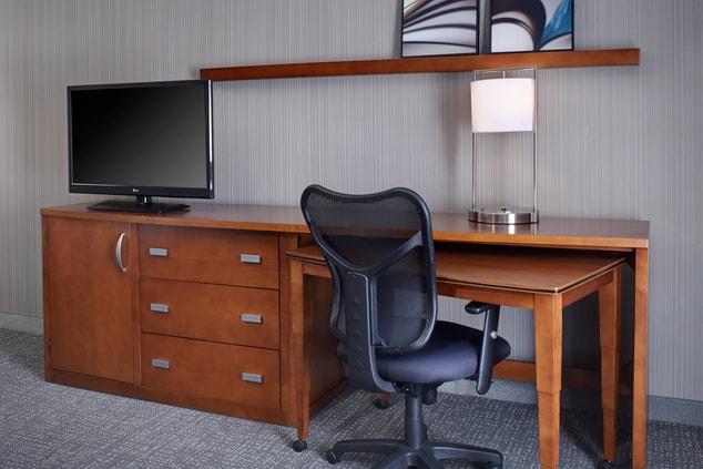 Detroit, MI, Hotel Suite