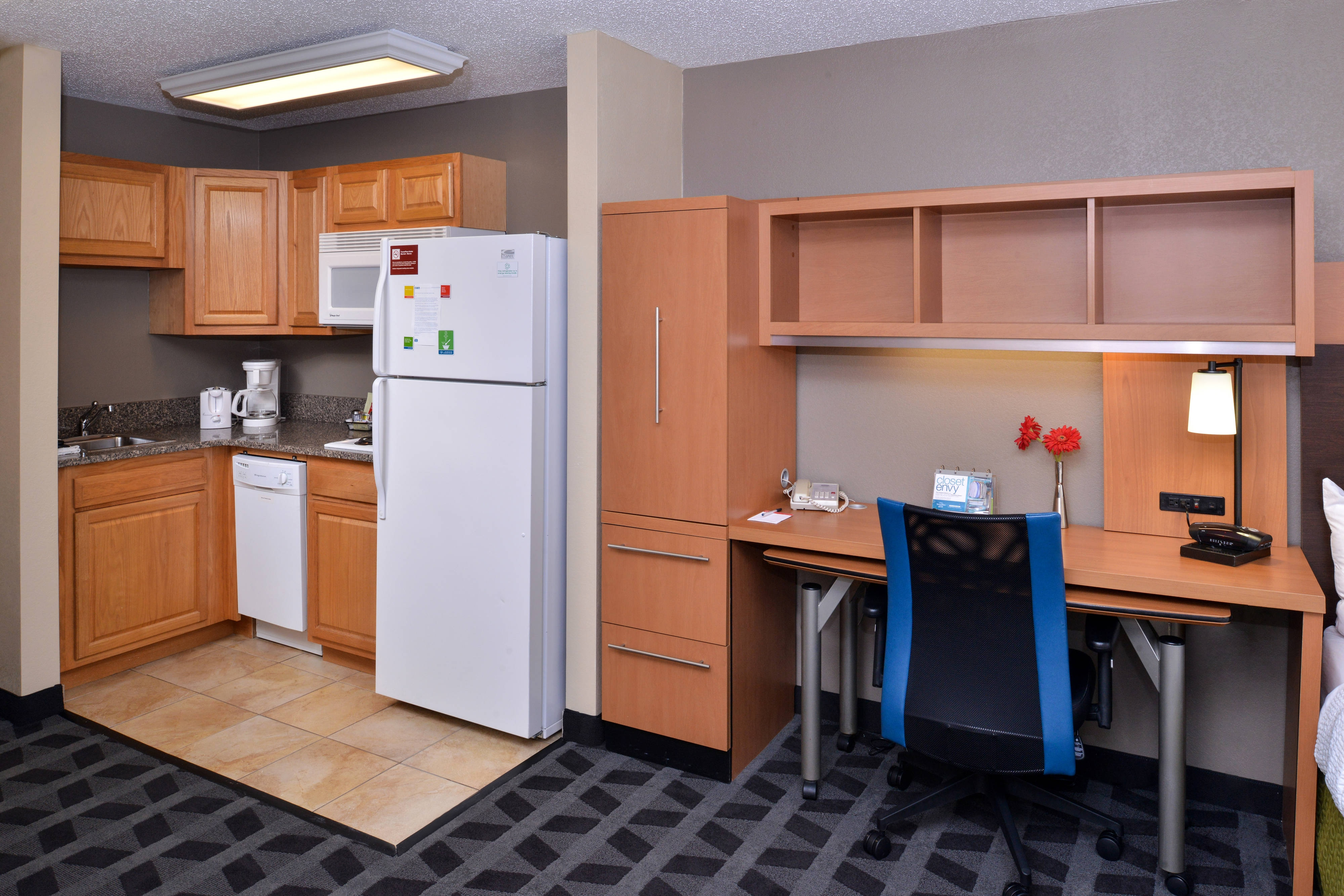 Kitchenette and Desk