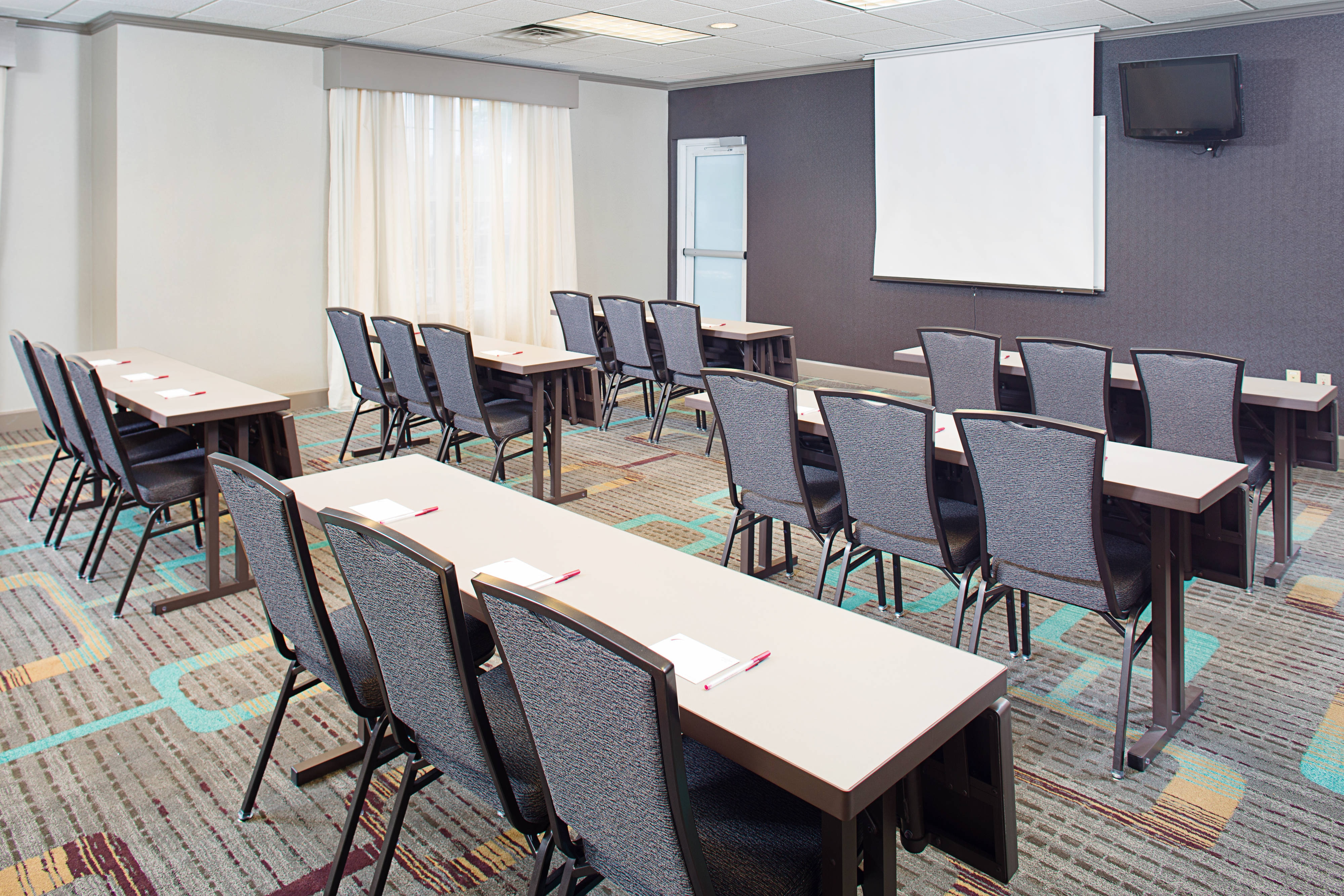 Meeting Room – Classroom Setup
